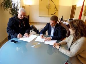firma-convenio-arquitectos-1