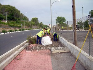 diaridigital.es-peon-agricola-limpieza-caminos2