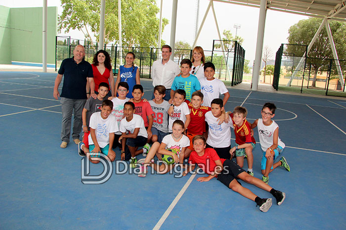 diaridigital.es-visita-escola-estiu-1