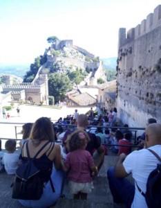 gente-en-el-castillo-1